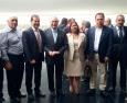 Centrais sindicais entregam reivindicações ao vice-presidente Michel Temer